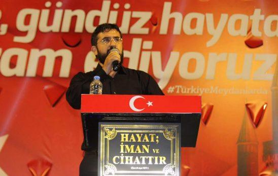 İMH Konya başkanı Adem CEYLAN Mevlana meydanında bulunanlara hitap etti.